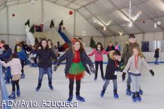 La pista de hielo de Azuqueca ha hecho disfrutar ya a más de 7.000 personas