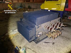 Siete detenidos por estar robando un gran transformador eléctrico en Azuqueca