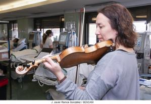Música de Vivaldi, Leonard Cohen o Joaquín Rodrigo para mejorar la estancia de los pacientes
