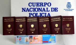 Detenida una mujer que llevaba encima varios documentos de identidad falsificados