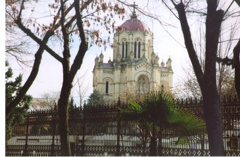 La rehabilitación de la verja del Panteón de la Condesa de la Vega del Pozo necesitará tres meses más