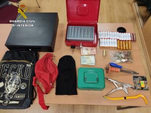 Dos detenidos por robar en una gasolinera de Marchamalo