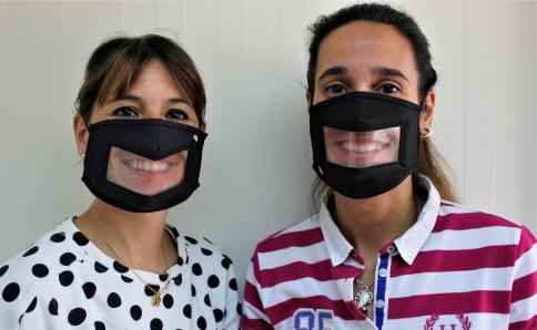 El Ayuntamiento de Yebes repartirá mascarillas transparentes a los profesores