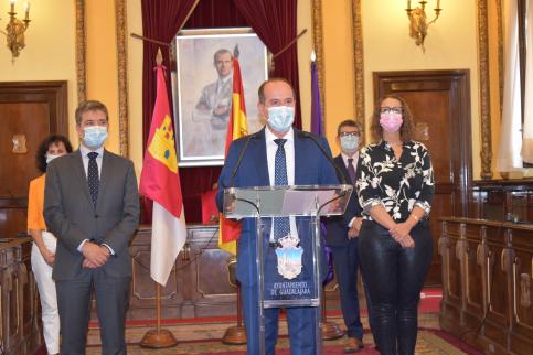 """Rojo destaca que """"se actuará en consecuencia"""" para que se cumplan todas las medidas decretadas por Sanidad"""