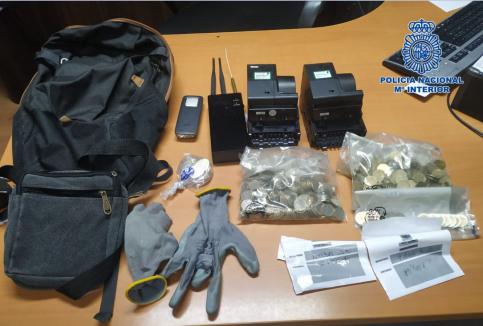 Tres detenidos pillados 'in fraganti' tras cometer dos robos con fuerza
