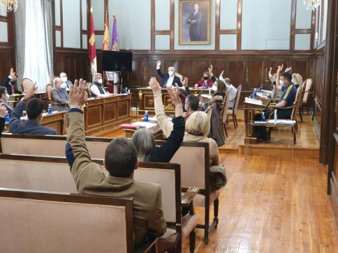 Diputación aporta 420.542 euros a la limpieza de colegios de los 51 ayuntamientos que lo han solicitado