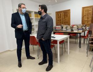 Pastrana mejora su biblioteca gracias a la colaboración de la Junta