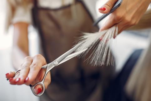 Las peluquerías y centros de estética volverán a concentrarse para pedir un IVA del 10%