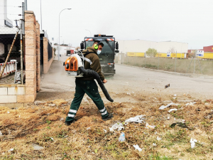 Azuqueca continúa con el Plan Especial de Limpieza en Polígonos