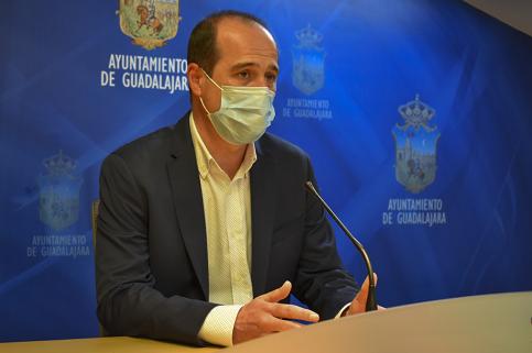 """Alberto Rojo hace un llamamiento para detener una nueva ola de contagios """"que no podemos soportar"""""""