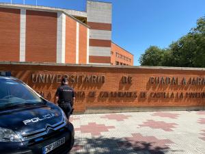 Detenido por hacerse pasar por otro para conseguir la nacionalidad española