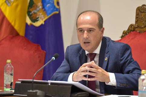 El Ayuntamiento anuncia una rebaja en el IBI, una nueva 'Operación Asfalto' y una Zona de Bajas Emisiones en el centro